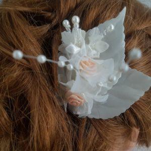 Pic pour futures mariées au thème champêtre, romantique, avec roses, tons blanc et rose nude. Réf. 95