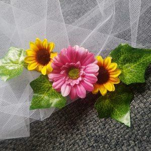 Remonte traîne pour mariage aux thèmes, champêtre, nature, campagne, tournesol et fleurs. Réf. 33