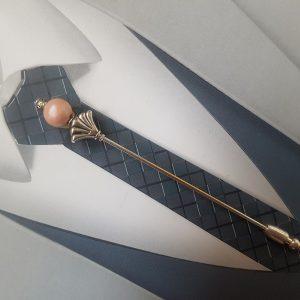 Épingle à cravate ou à lavallière pour mariage rose poudré, nude et argent. Réf. 44