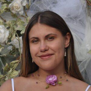 Collier mariage fleur perles tons parme, mauve, vert, or. Réf. 138